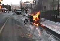 YANGIN TÜPÜ - Motosiklet Alev Alev Yandı