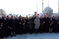 AYŞENUR BAHÇEKAPıLı - AK Parti'li Milletvekilleri Şehitler Tepesinde Dua Etti