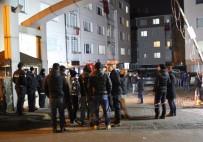 EDIRNEKAPı - Ümraniye'de Şehit Düşen Polisin Evi Taziye İçin Gelenlerle Doldu
