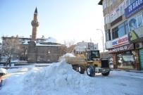 ALİ KORKUT - Yakutiye Belediyesi Karla Mücadeleye Devam Ediyor