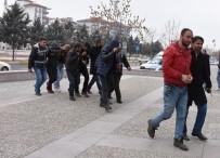 Aksaray'da 60 Bin Liralık Kablo Çalan Hırsızlar Yakalandı