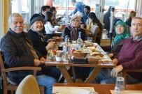 Burhaniye' De Hikmet Nine'ye Yaş Günü Sürprizi