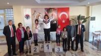 SATRANÇ FEDERASYONU - Çeşme'de Satranç Turnuvalarına Yoğun İlgi