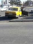 ERKILET - Direksiyon Hakimiyetini Kaybeden Otomobil Trafik Işıklarına Çarparak Durabildi