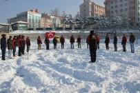 KIŞ TURİZMİ - Erzurum'da Kar Üzerinde Lastik Raftingi