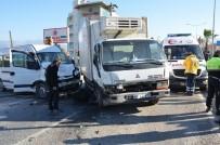 Milas'ta Öğrenci Servisi İle Kamyonet Çarpıştı; 2 Yaralı