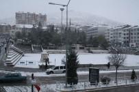 KARAKAYA - 2 Gündür Yağan Kar Yozgat'ı Beyaza Bürüdü