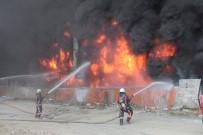 GÜMRÜK VE TİCARET BAKANI - Bakan Yangından Zarar Gören Esnafa Müjdeyi Verdi