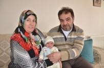HOLLANDA - Bebeğine 'Ömer Halis Demir' İsmini Verdi
