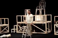 BOZÜYÜK BELEDİYESİ - Bozüyük Tiyatro Günlerinde 'Bir Delinin Hatıra Defteri' Oyunu Sahnelendi