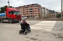 BEBEK ARABASI - D-100 Karayolu Üzerindeki Yaya Geçitleri Engellilere Geçit Vermiyor