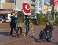 ESNAF VE SANATKARLAR ODASı - Engelli Dostu Esnaflara Plaket