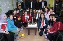 ESKIGEDIZ - Eskigediz Belediye Gazispor Kız Voleybol Takımı İçin Kutlama Programı