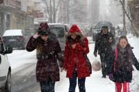 ODABAŞı - Karlı Yollar Vatandaşlara Zor Anlar Yaşattı