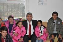 SELAHADDIN EYYUBI - Kayyum Atanan Belediyeden Mont Yardımı