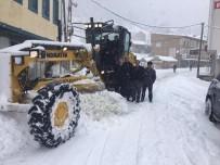 YAĞAN - Maçka Belediyesi Karla Mücadele Çalışmaların Başladı