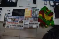 KURUSIKI TABANCA - Terörist Fotoğrafı İle Gülen Kitabı Yan Yana
