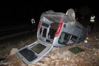 MEHMET CAN - Ticari Araç Takla Attı, 1 Kişi Yaralandı