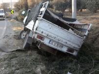 Balıkesir' De Zeytin İşçilerini Taşıyan Kamyonet Kaza Yaptı Açıklaması 11 Yaralı.