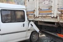 MEHMET SOYDAN - Bilecik'te Trafik Kazası, 1'İ Ağır, 3 Yaralı