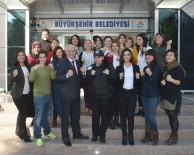 RAMAZAN AKYÜREK - Kadınlara Dövüş Ve Savunma Eğitimi