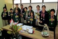 SATRANÇ FEDERASYONU - Madalyalara Doymayan O Okulda Bir Başarı Daha