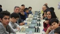 SATRANÇ FEDERASYONU - Muratpaşa Yaşlı Evi Üyeleri Satranç Turnuvasında