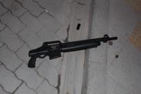 MOBESE - Yoldan Geçen Çocuklar Yerde Pompalı Tüfek Buldu
