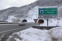 BOLU DAĞı - Bolu Dağı'nda Kar Yağışı Devam Ediyor