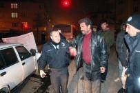 ALKOLLÜ SÜRÜCÜ - Kaza Yapan Alkollü Sürücünün Polis Ve Gazetecilerle İlginç Diyaloğu