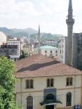 Tarihi Orta Cami'nin Yıkım İhalesi Gerçekleşti