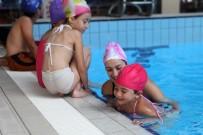 TURGUT ÖZAKMAN - Yenimahalle Havuzları Ödüle Doymuyor