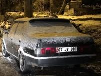 GÜZELBAĞ - Alanya'da Kar Yolları Kapattı, Karayolları Tuzlama Çalışması Yaptı