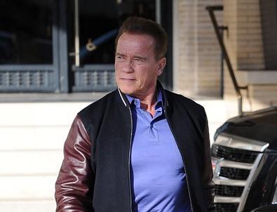 Arnold Schwarzenegger: Aynaya bakınca kusmak istiyorum