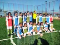 AYVALIK BELEDİYESİ - Ayvalık Mahalle Ligi Futbol Turnuvası Başladı