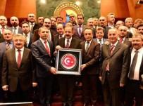 MEHMET ÖZHASEKI - Bakan Özhaseki'ye İzmir Dosyası