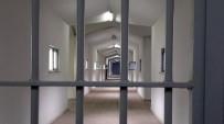 SEZGİN TANRIKULU - Cezaevlerinde Kaç Bin Kişi Var ? Bakan Açıkladı