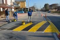 ERTUĞRUL GAZI - Kartepe Belediyesi, İlçe Genelinde Kasislerde Boyama Çalışması Yapıyor