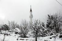 KEMER BELEDİYESİ - Kemer'de Kar Yağışı