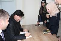 ŞAHIN ÖZER - Sanatçı-Yazar Ahmet Şafak İmza Gününde Okurları İle Buluştu