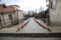 KORKULUK - Sapanca'da Sokağa Korkuluk Monte Edildi