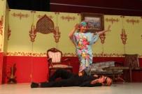 GEBZELI - 'Tesadüf-Ü Müstesna' İsimli Tiyatro Gebzelilerden Tam Not Aldı