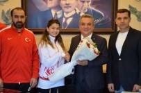 KAYALı - Türkiye Ümit Ve Genç Karate Milli Takımları Kuşadası'nda Kampa Girdi