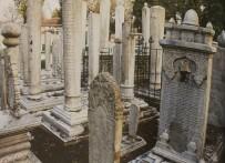 Zeytinburnu'nda 4 Bin Tarihi Mezar Taşının Envanteri Çıkarıldı