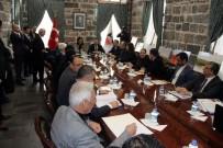 HÜSEYIN AKSOY - AK Partili Karaaslan İçkale'yi Gezdi