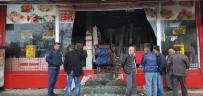 YILDIRIM DÜŞMESİ - Antalya'da Yıldırım Düşen Dükkan Harabeye Döndü