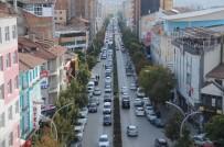 Çorum'da Gazi Ve İnönü Caddelerine Park Yasağı Getirildi