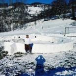 Kardan Ay Yıldız Figürü Yaptı