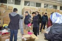 MEHMET NURİ ÇETİN - Suriye'den Gelen Ailelere Giyim Yardımı