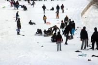 HAFTA SONU TATİLİ - Çocukların Kayak Keyfi